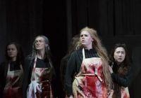 Martyna Cymermann (Gerhilde), Annekatrin Kupke (Schwertleite), Sarah Tuttle (Helmwige), Sooyeon Lee (Ortlinde) © Stephan Walzl